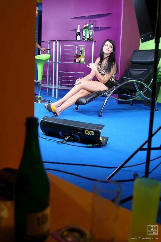 Macy Luna Gold – Backstage With Macy