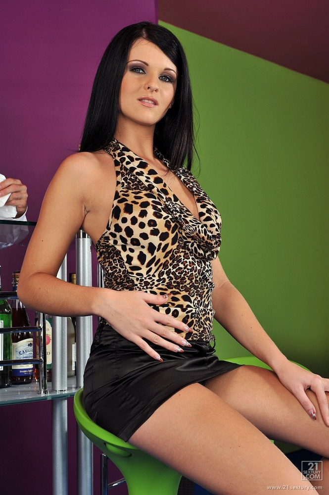 Macy Luna Gold – Champagne For Two