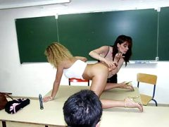 2 amateur teachers in classroom