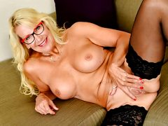 Blonde milf Bianca from Canada needs getting off