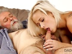 DADDY4K. Old man is very gentle with his son weet gf