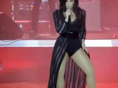 Demi Lovato – Dirty Dancing