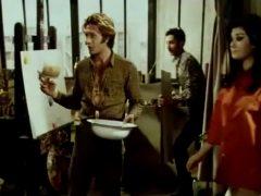 """Edwige Fenech Has Her Plot Painted In """"Der Mann Mit Dem Goldenen Pinsel"""""""