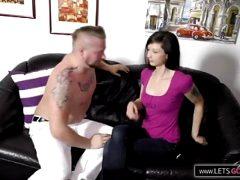 Junges Paar vor der PornoKamera