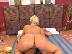 Oiled Ass Gives A Body Massage