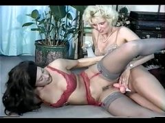 Sandra Fox, Fisting and Lesbian Fun with other women 02