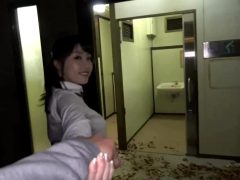 Shunka Ayami – Bathroom Quickie