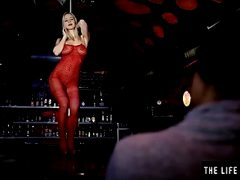 Stripper masturbates on stage during audition