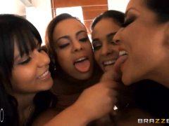 Three Girls Chupada Triple Massive