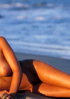 Amber Marie – Pink Bikini (part 2)