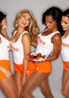 Best Hooters photos from their FB timeline (50 pics)