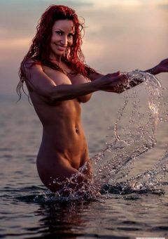 Busty-splash – Bianca Beauchamp