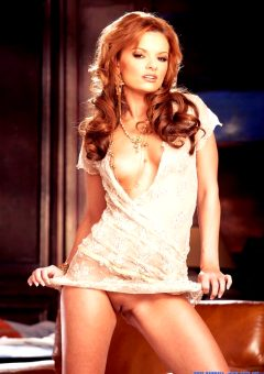 Cassie Courtland – Ravishing Red-hot Redhead – Photos By Thomas Rifter For
