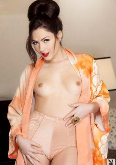 Cassie Laine Makes One Hot Pseudo Geisha