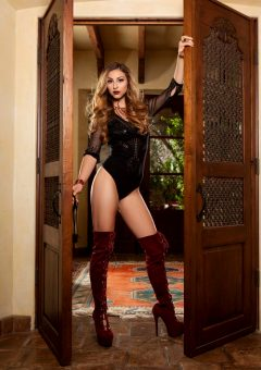 Cierra Avalon Opens The Door To New Possibilities – Set One
