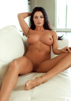 Elena Romanova – Scrumptious Curves