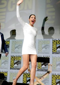 Gal Gadot – Great Figure