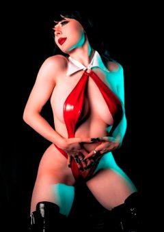 Jenna Lynn Meowri As Vampirella