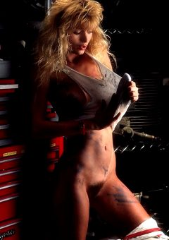 Pam Stein Is The Kind Of Mechanic Men Like – Set Four
