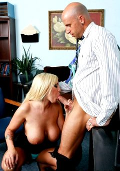 Special Attention – Memphis Monroe – Big Tits At Work