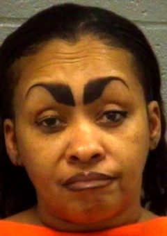 These women don't know nothing about the eyebrows – 25 fails!