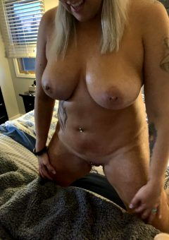Who Is Ready For Play Time? Would You Oil Me Up? 🥰👧🏼🙏🏻💦🍆
